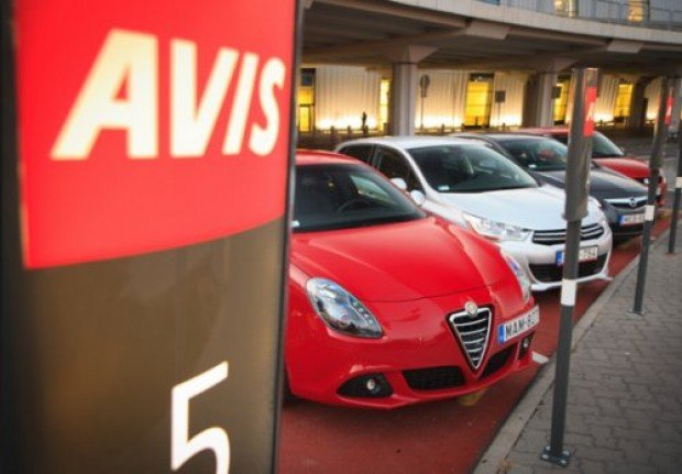 SGD 0 Malaysia Surcharge in your Car Rental with Avis