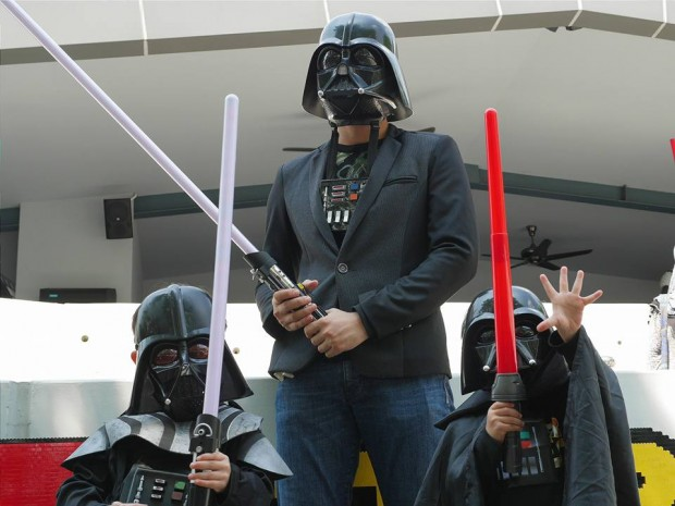Children Go FREE with Wearing Star Wars Costume this May in Legoland