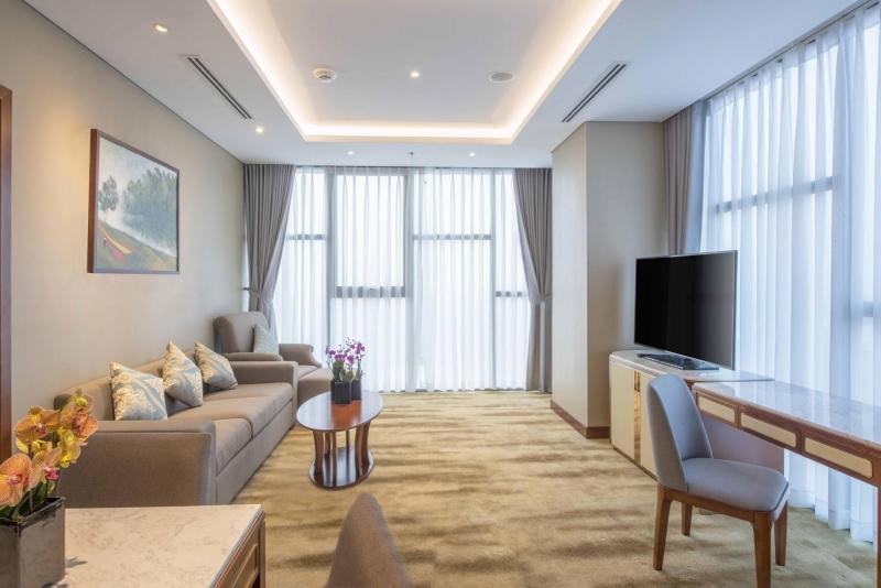 suite in wyndham garden hanoi
