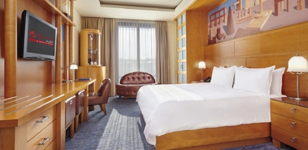 Exclusive Axis Bank Promotions - 3D2N Stay at Resorts World Sentosa