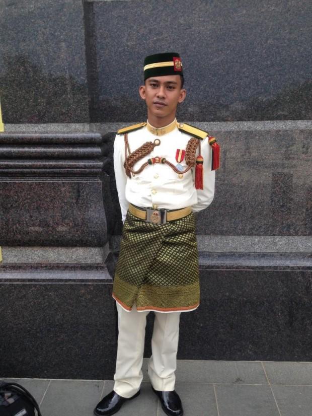 guard at istana negara