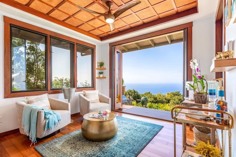 Top 16 Stunning Airbnbs in Hawaii for the Best Experience
