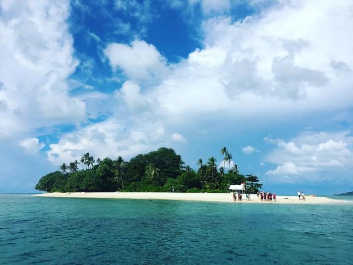 Telunas Beach Resort Booking