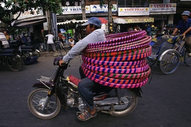 Amazing Load Balancing Acts on Vietnamese Bikes