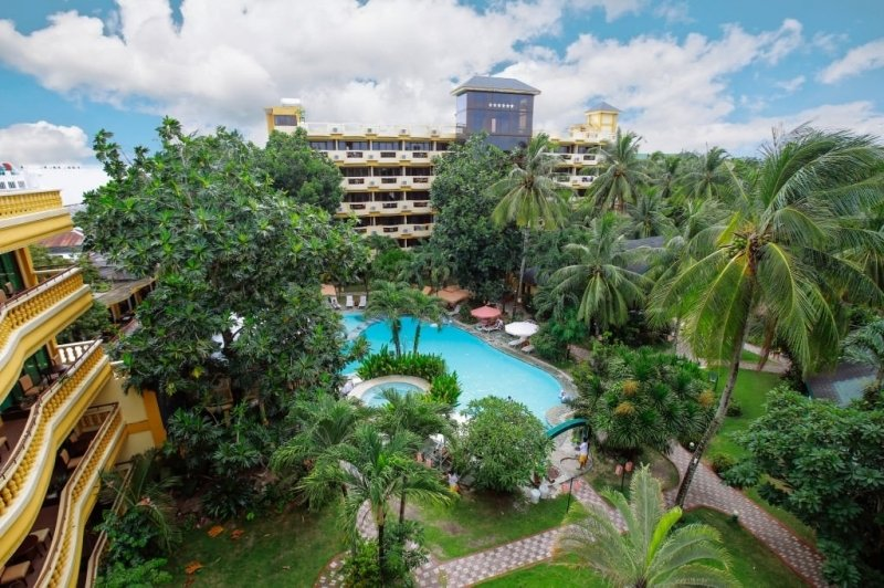 Paradise Garden Resort Hotel & Convention Resort