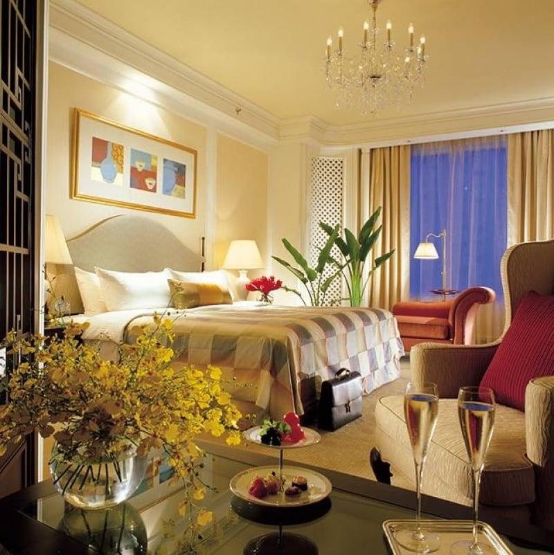 shangri-la hotel room