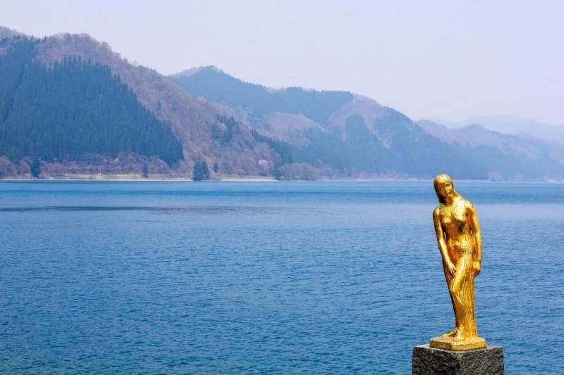 tatsuko statue at lake tazawa