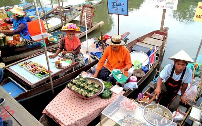 khlong hae floating market hat yai