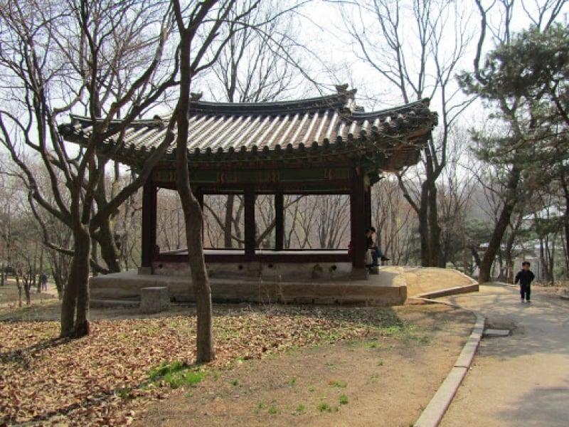 Gwandeokjeong Hall things to do jeju