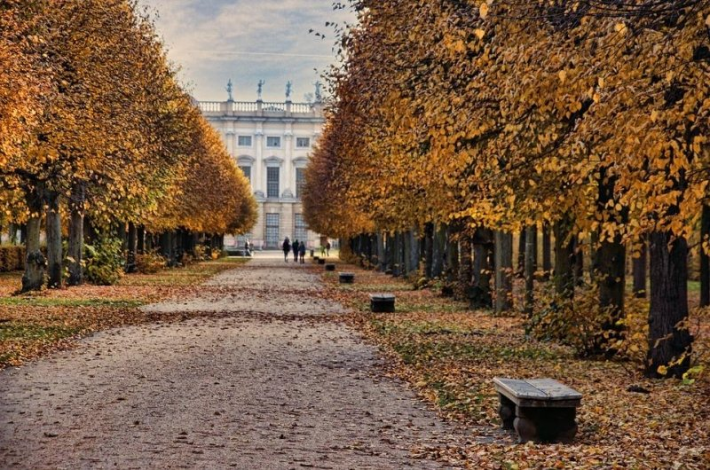 Schlosspark Charlottenburg during autumn