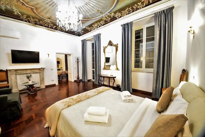 Luxurious Airbnb near Roma Termini