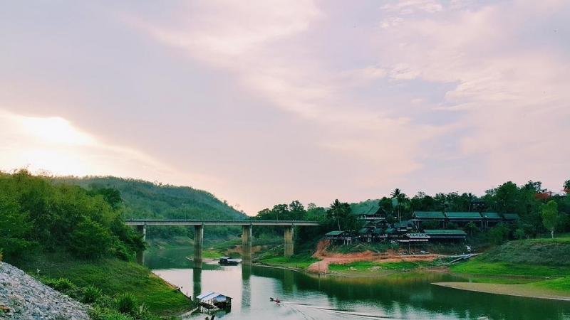 travel guide to kanchanaburi