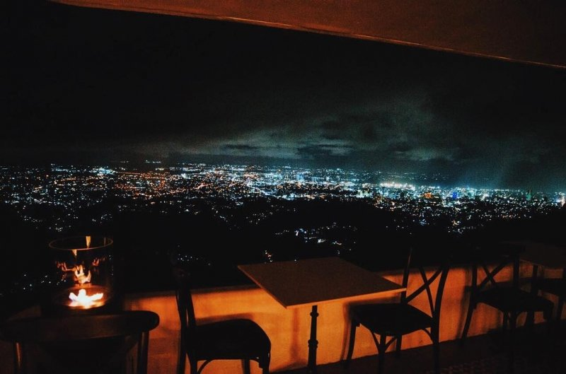 restaurants in cebu: la vie in the sky