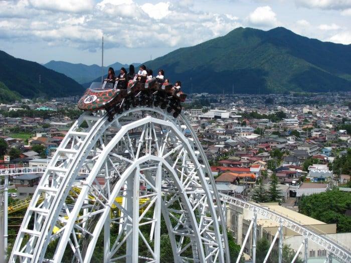 so sánh công viên giải trí Nhật Bản Và Hàn Quốc