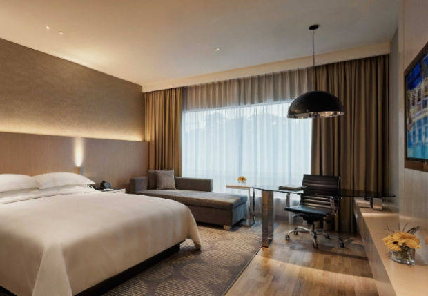 New Deluxe Room Offer in Renaissance Kuala Lumpur Hotel from RM388