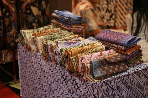 Vải in hoa văn Batik Du Lịch Indonesia
