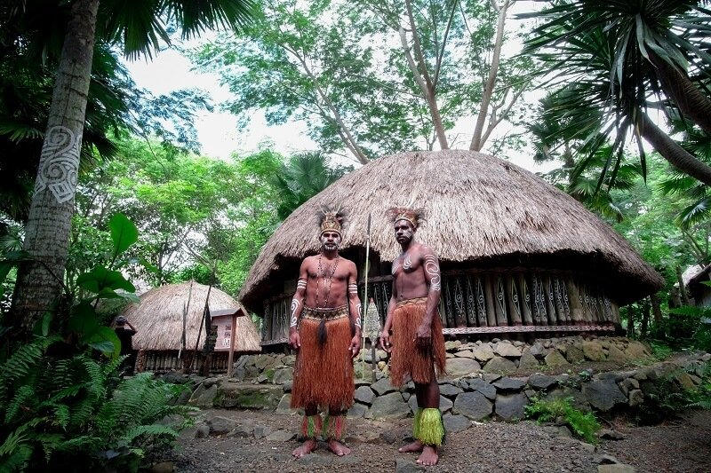 help locals while travelling through cultural experiences