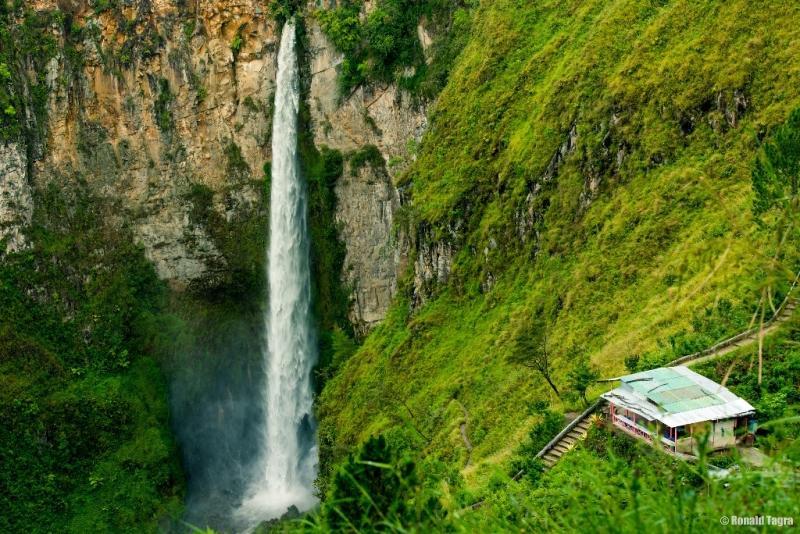 Thác nước ở Indonesia