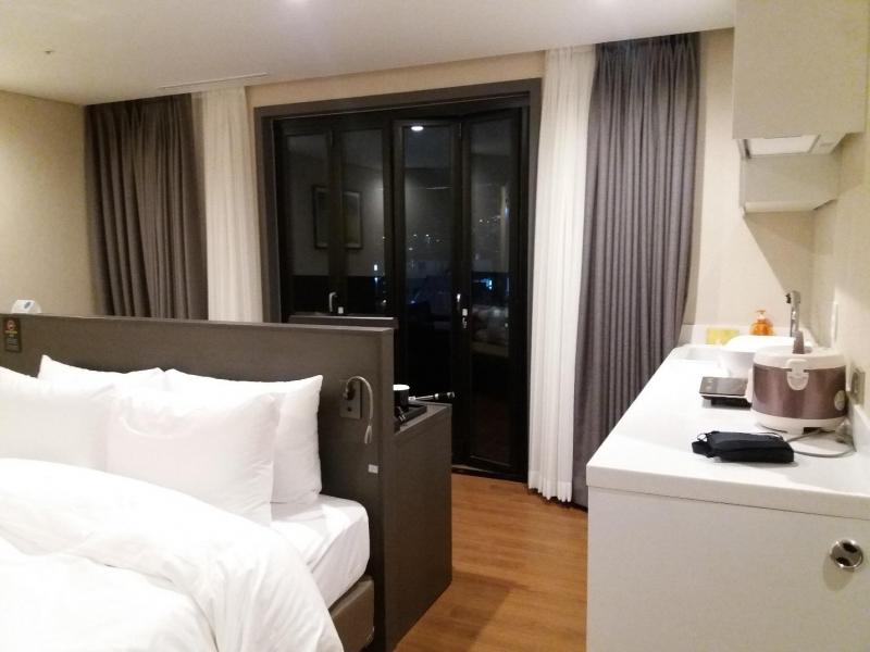 busan hotel encounter