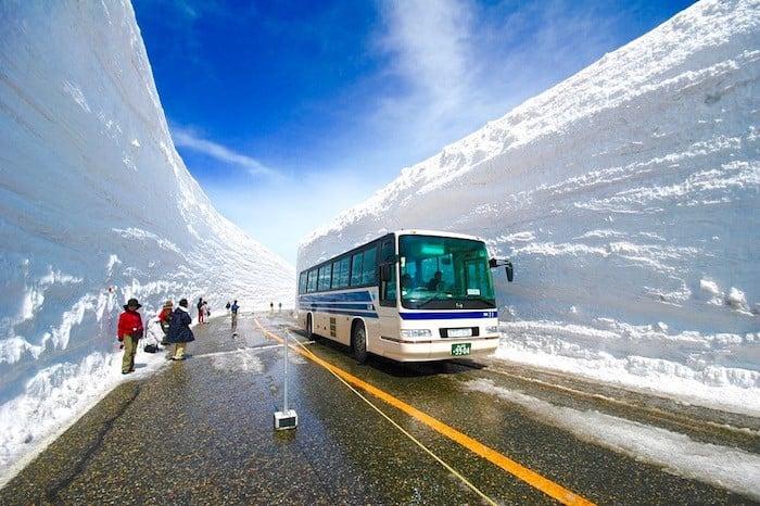 Chơi gì ở Nhật Bản?: Đi ngắm bức tường tuyết