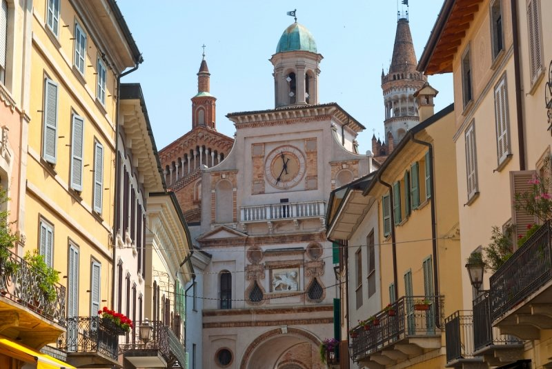 towns in italy: crema