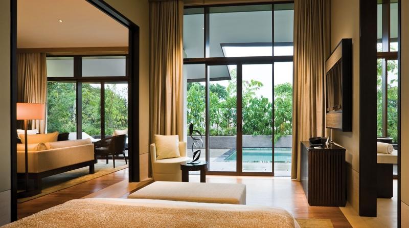 Pet friendly hotel in Singapore: Capella Hotels