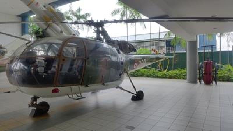 phong trung bay o Singapore