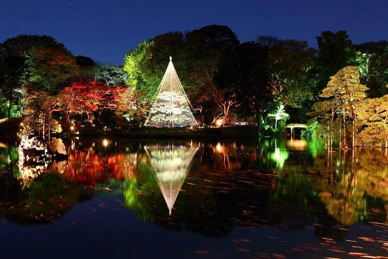 mùa thu Nhật Bản công viên ánh sáng ở Rikugien