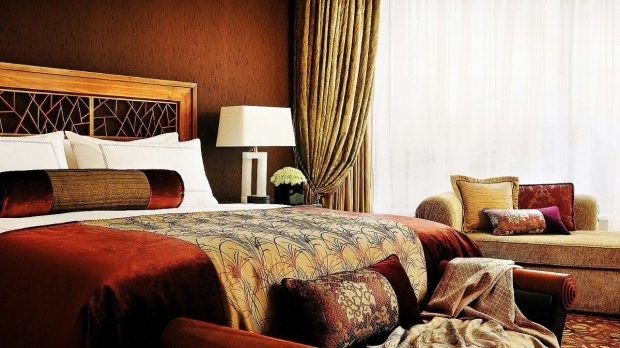 Weekend Bed and Breakfast with 18% Savings in Four Seasons Hotel Singapore