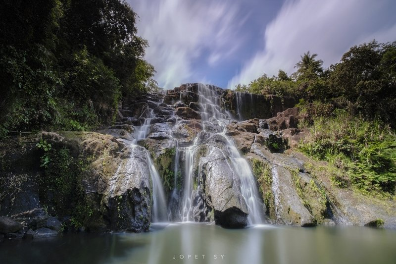 waterfalls near manila: aliw falls