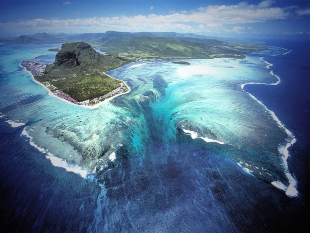 underwater waterfalls