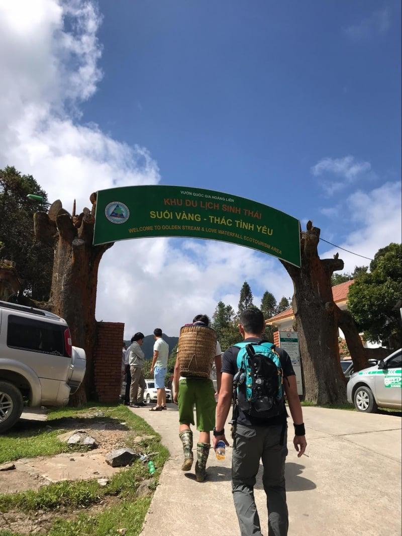 hướng dẫn leo núi Fansipan