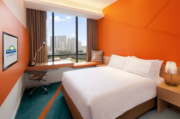Early Bird Breakfast Package at Days Hotel Singapore at Zhongshan Park