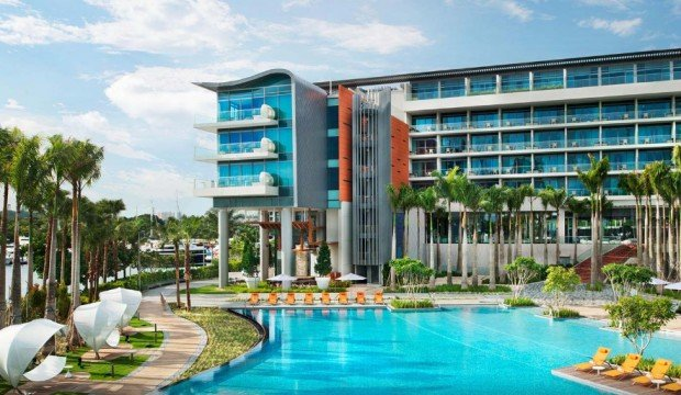 Stay Close to Home i W Hotel Singapore from SGD374