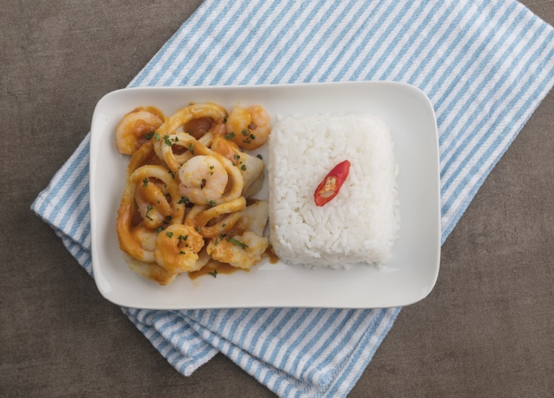 Stir-fried Mixed Seafood with Salted Egg Sauce