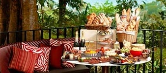 Magnifique Sunday Champagne Brunch at Kwee Zeen