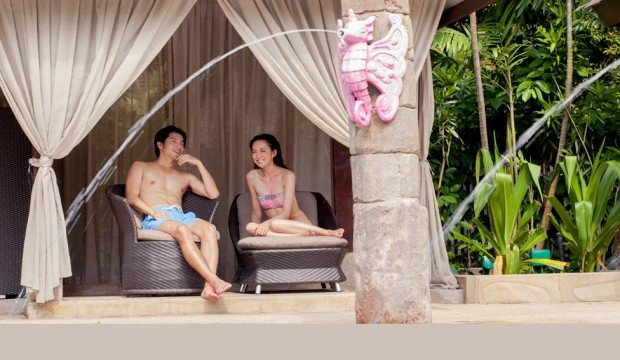 Enjoy 10% off Adventure Cove Waterpark Cabana Booking with HSBC Card