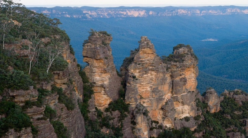 things to do in sydney: blue mountains and the three sisters