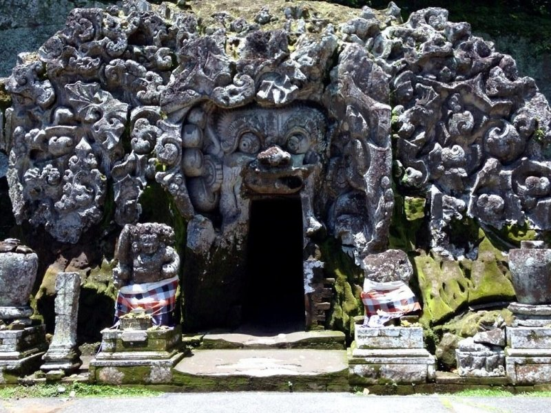 things to do in ubud: elephant cave