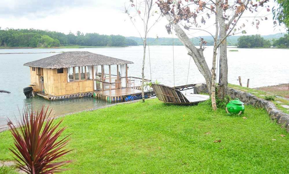 Eco Saddle Floating Cottage