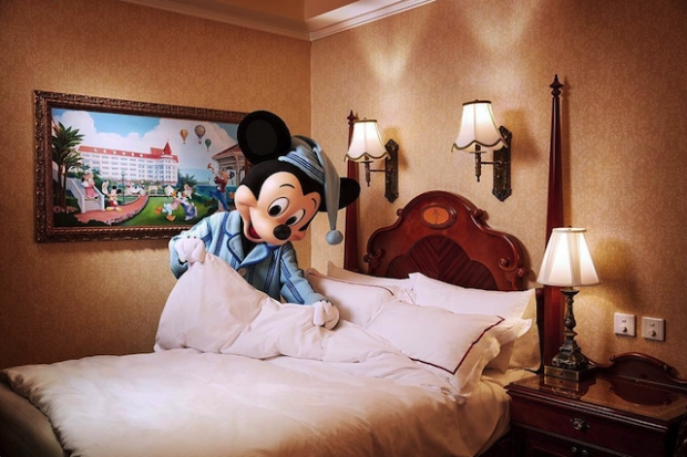 3D2N Travel Package from S$688 to Hong Kong Disneyland with Standard Chartered Bank Card