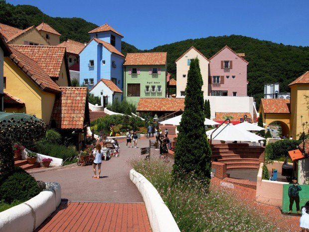 Fake European Towns in Asia for Those Who Cannot Afford that