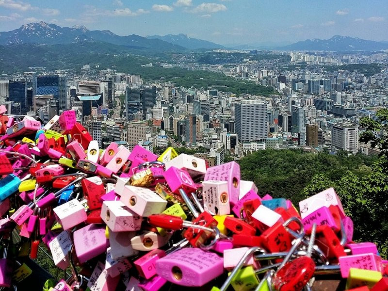 love locks namsan tower