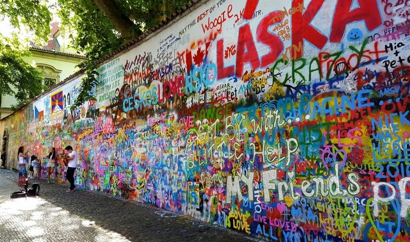 Bức tường John Lennon