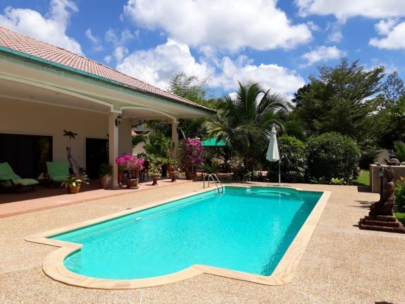 budget villas resorts thailand