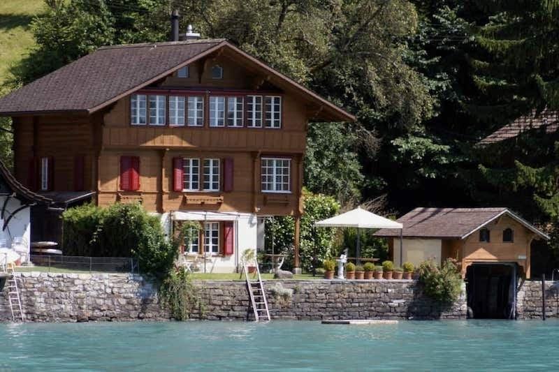 Airbnb in Lake Brienz