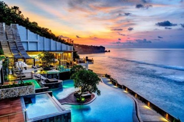 1-FOR-1 One Room Night Offer at Anantara Uluwatu Bali Resort with HSBC Card