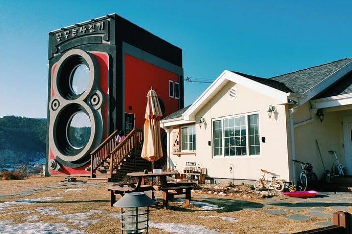 rolleiflex camera cafe