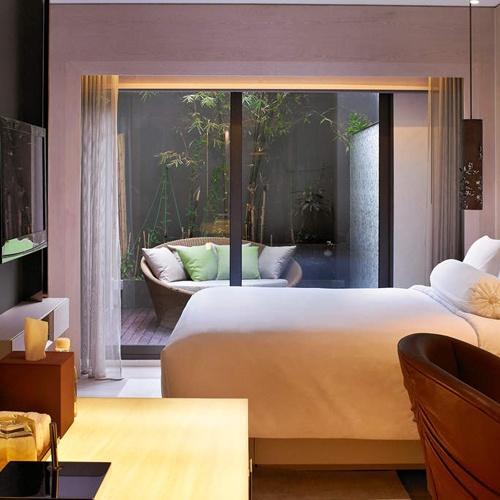 https://stays.tripzilla.com/singapore/hotels/naumi-hotel?utm_source=stays&utm_medium=index_listing