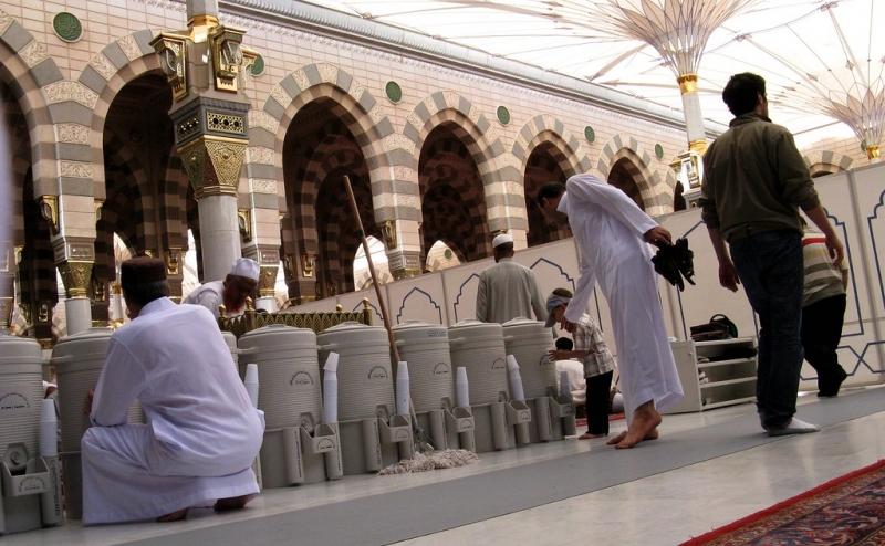Zamzam water Masjid al-Haram Mecca